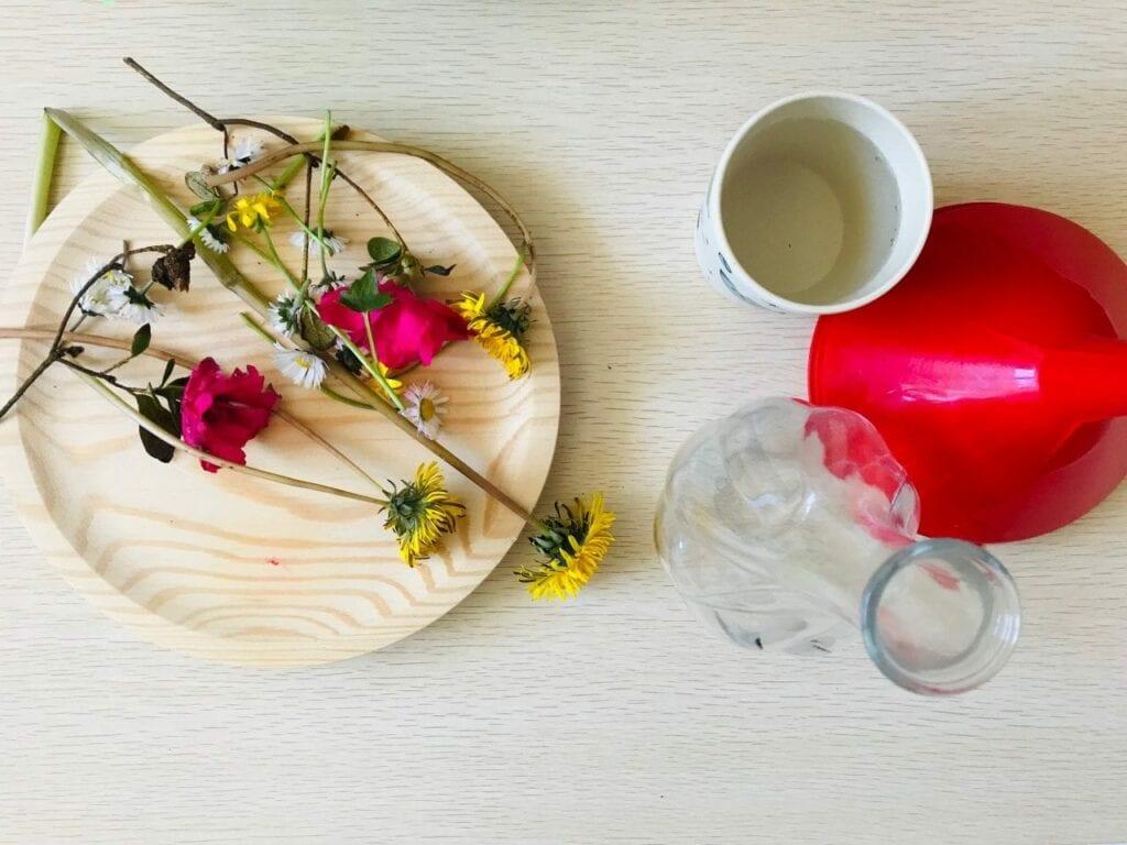 fazer arranjos de flores vida pratica montessori 01