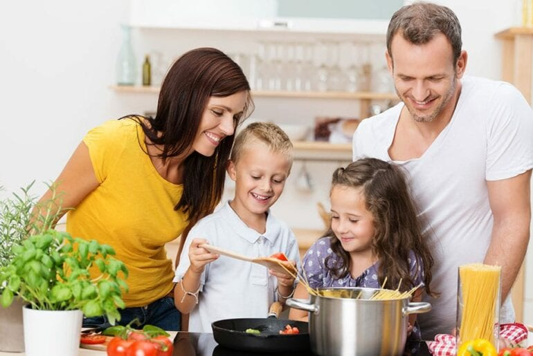 por que incluir as crianças nas tarefas domesticas