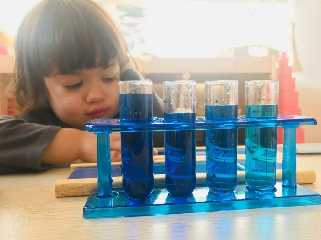 atividade sobre os tons de azul 07