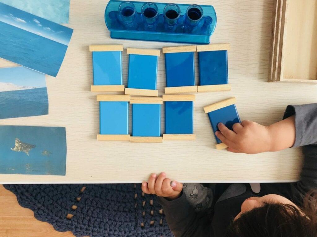 atividade sobre os tons de azul 09