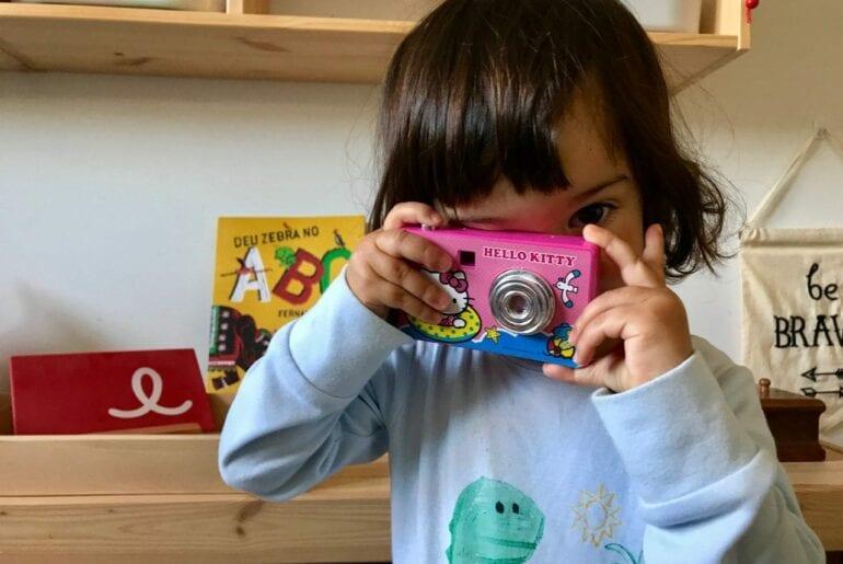 beneficios de ensinar a crianca a tirar fotos