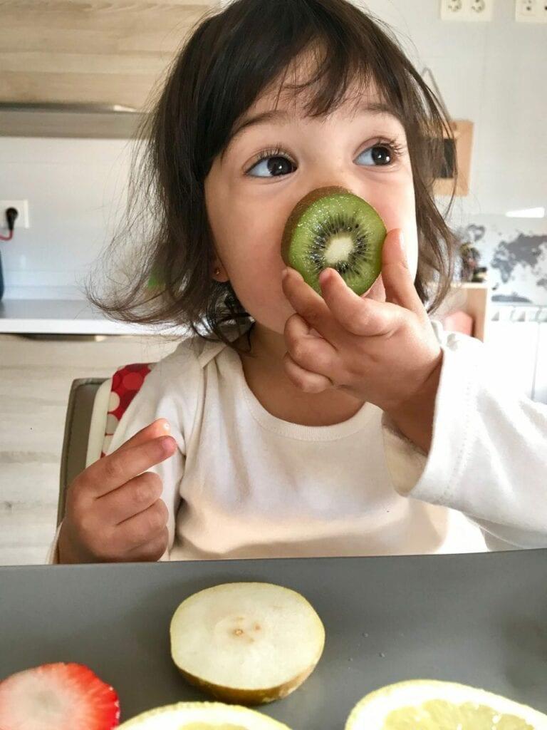 pareamento de frutas cortadas ao meio 08