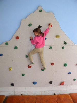 Paredes de escalada para o quarto das criancas 04