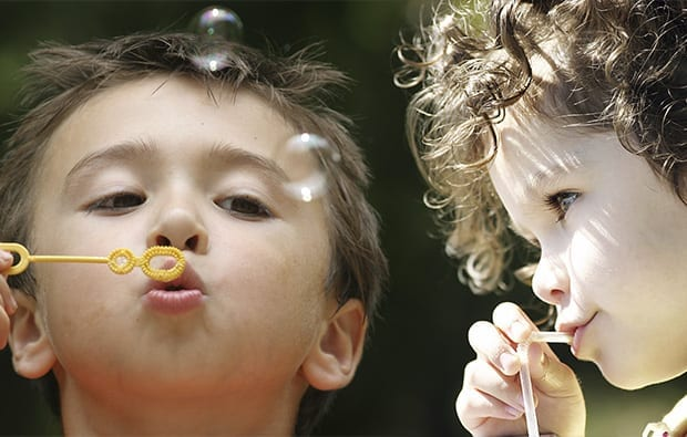 brincadeiras para educar criancas emocionalmente fortes