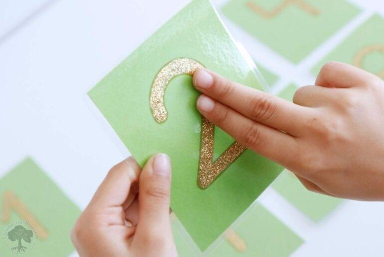 Como fazer numeros de lixa Montessori 08