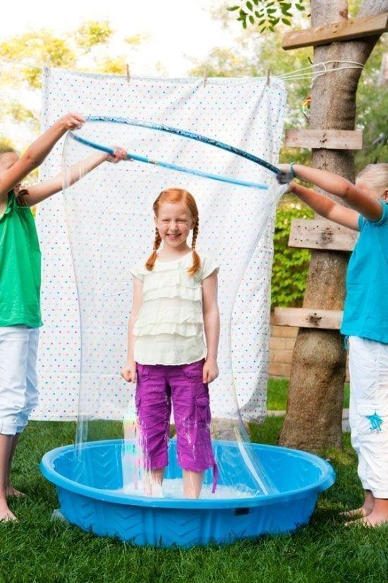 brincadeiras com bambole - bolhas de sabao