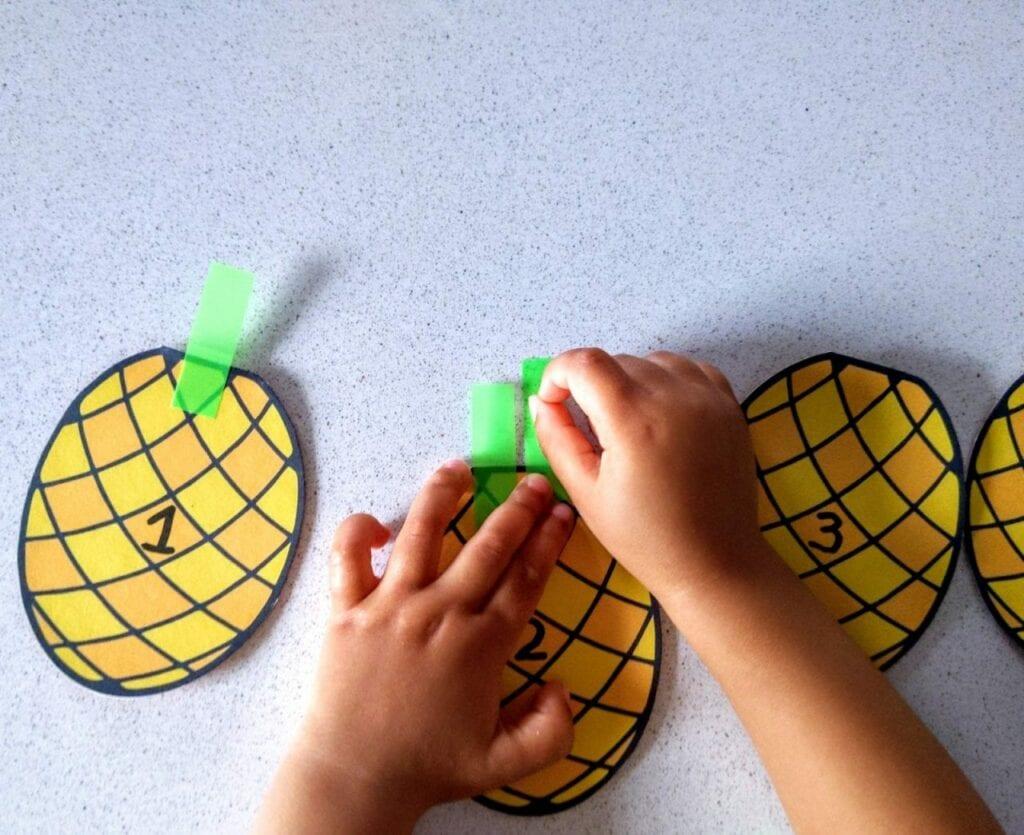 Contando de 1 a 5 com folhas de abacaxi 01