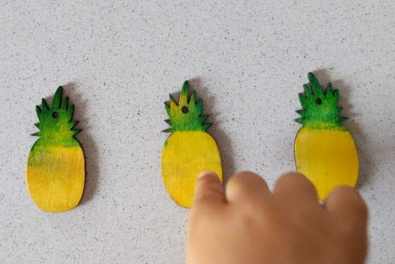 Pintar abacaxi de madeira 01
