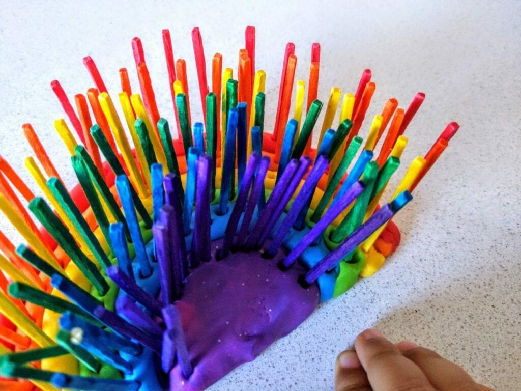 atividade com arco-iris para trabalhar as cores 02