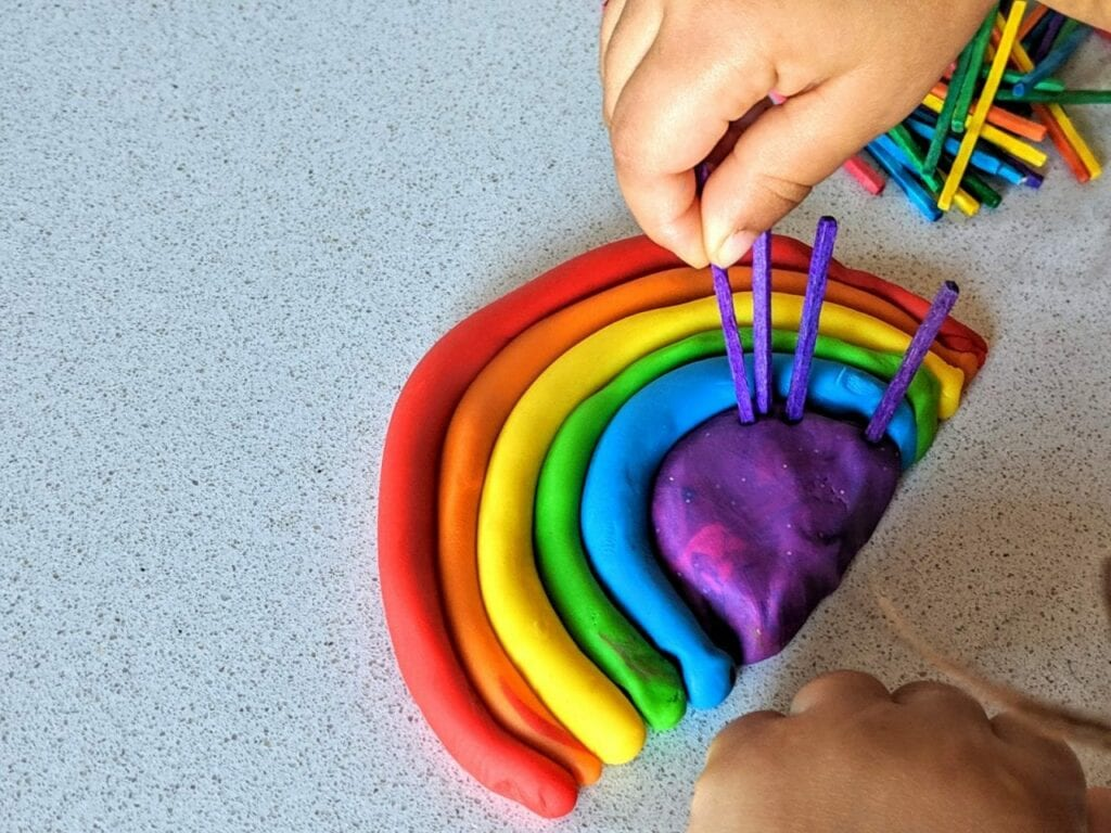 atividade com arco-iris para trabalhar as cores 05