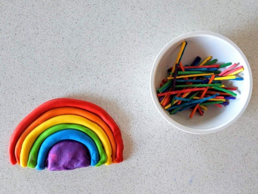 atividade com arco-iris para trabalhar as cores 08