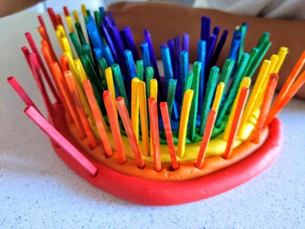 atividade com arco-iris para trabalhar as cores 10