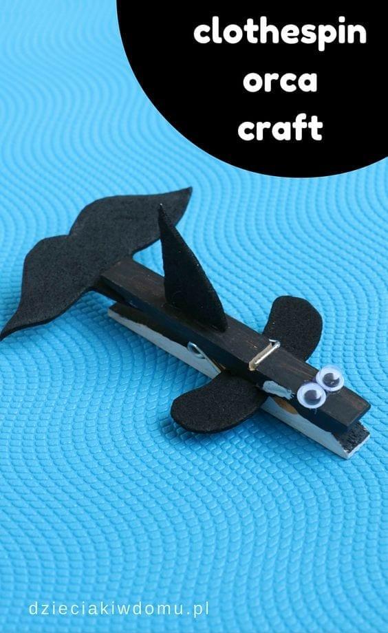 baleia feito com pregadores de roupa