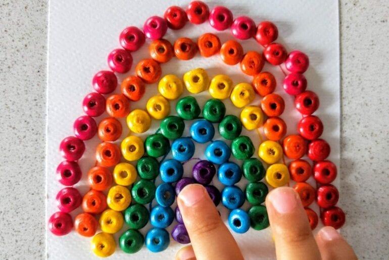 como desenhar um arco-iris com micangas 01