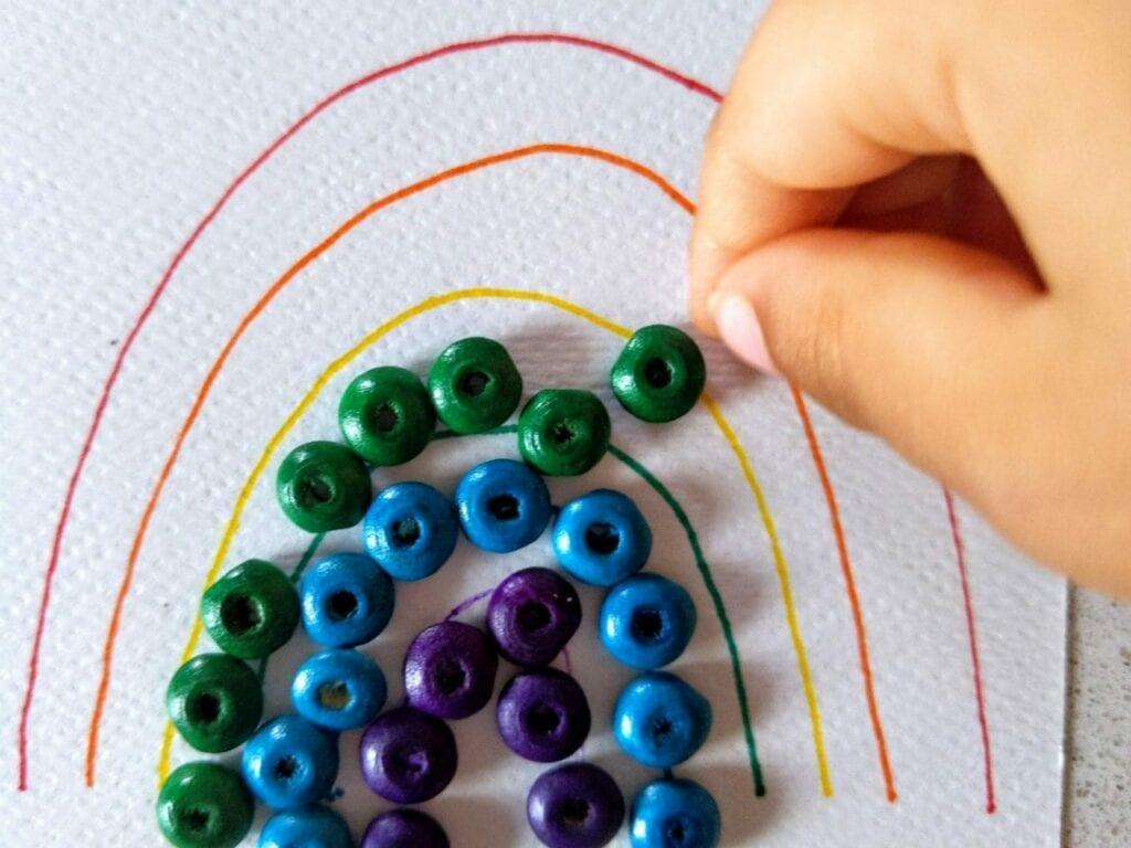 como desenhar um arco-iris com micangas 03