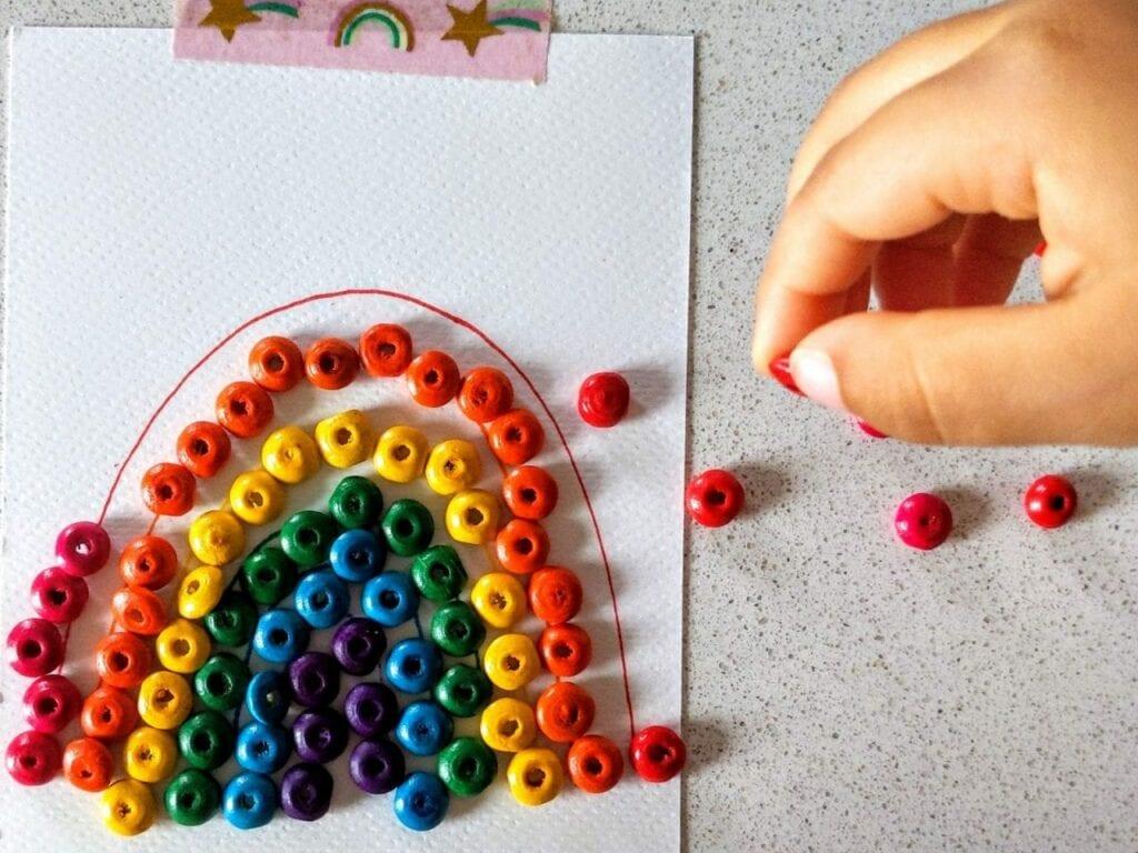como desenhar um arco-iris com micangas 04