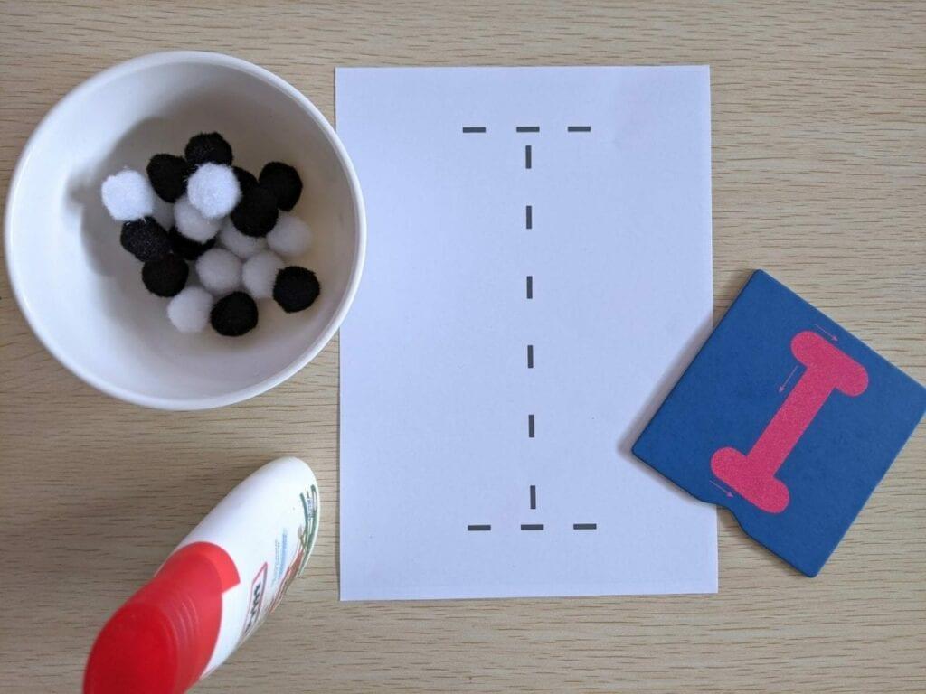 atividades com vogais para imprimir 08