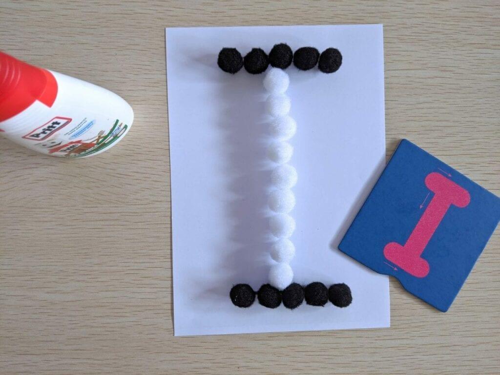 atividades com vogais para imprimir 09