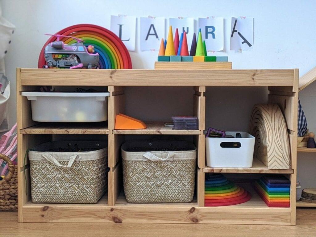 organizador de brinquedos ou estante de atividades 04