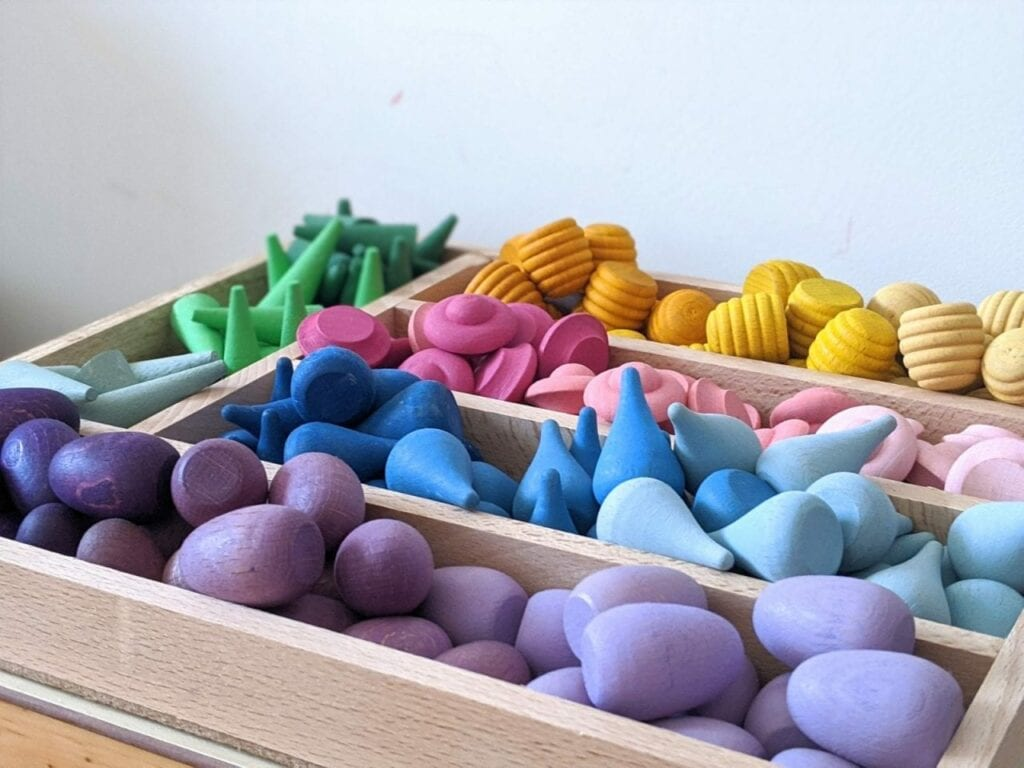 organizador de brinquedos ou estante de atividades 07