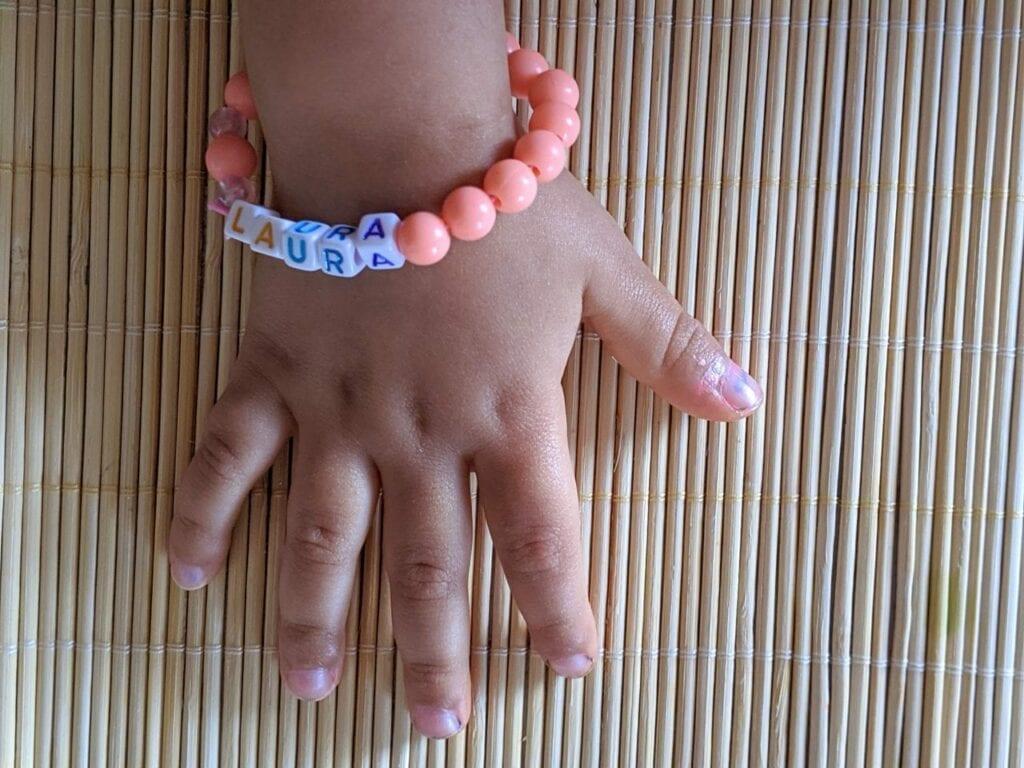 pulseira com nome de micangas 01