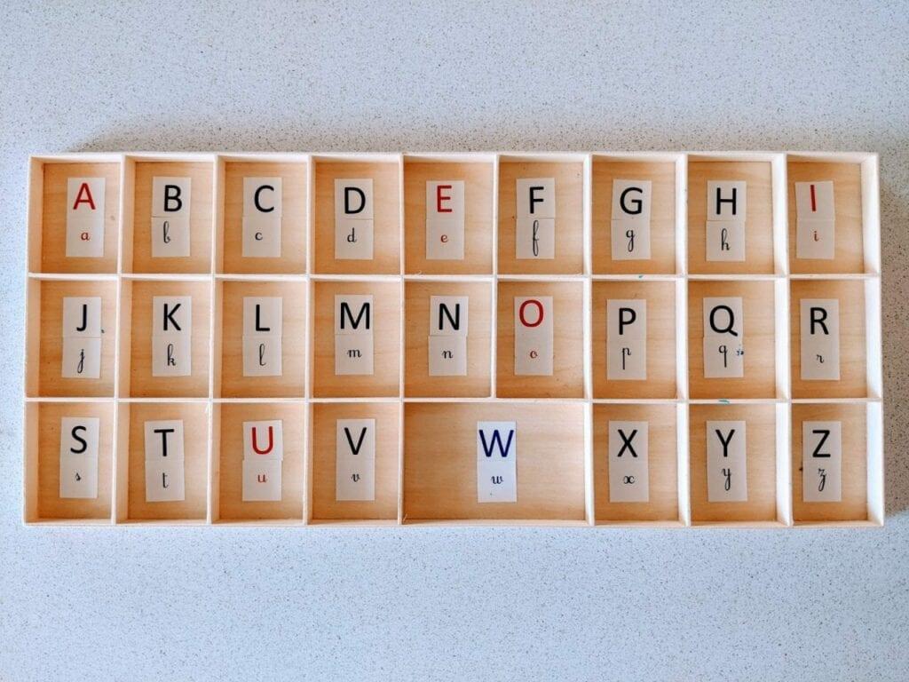 Alfabeto móvel de madeira 02