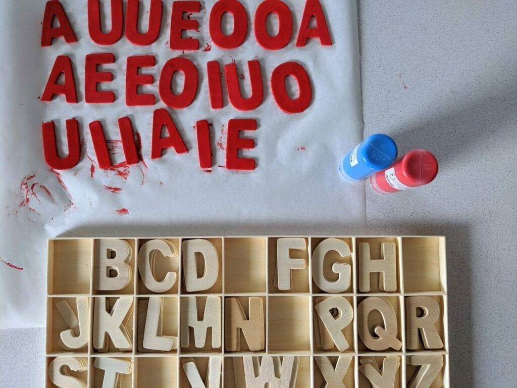 Alfabeto móvel de madeira 10