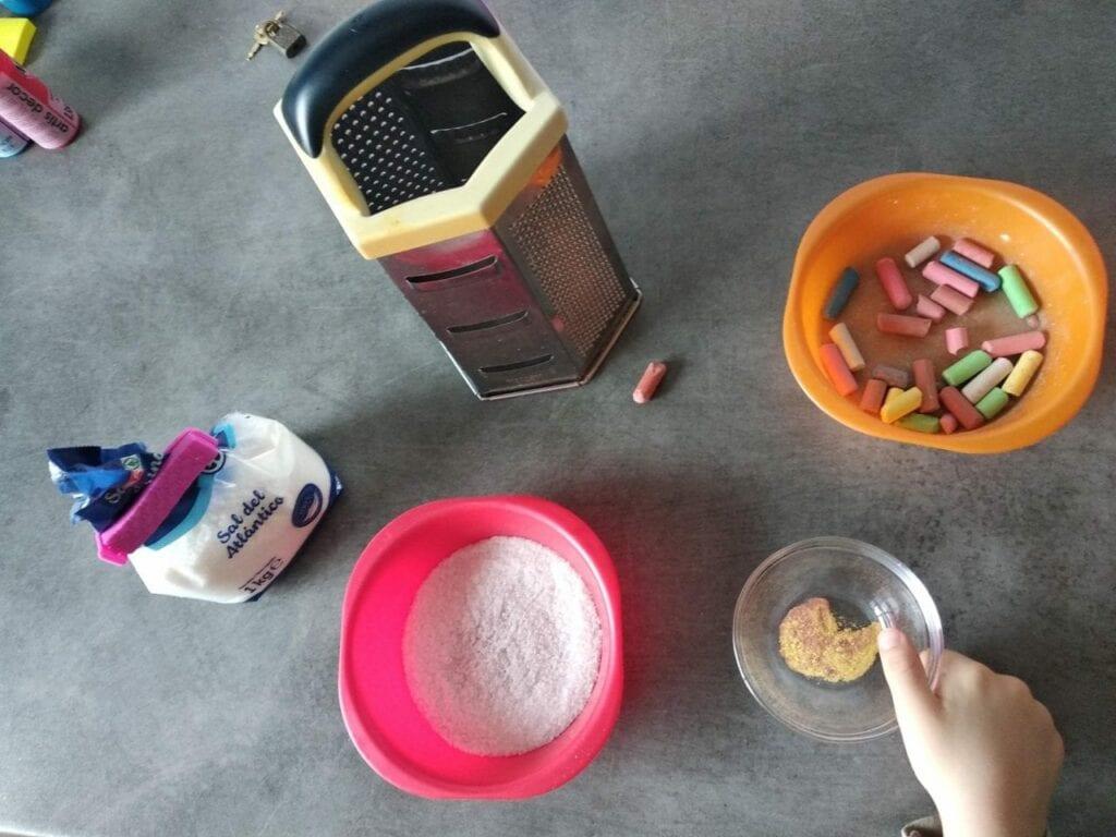 Como fazer letras de lixa Montessori 01
