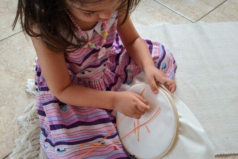 atividade de costura para criancas 01