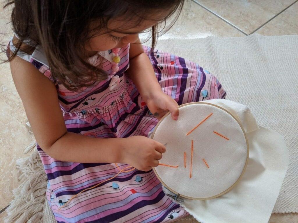 atividade de costura para criancas 04