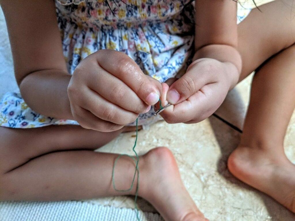 atividade de costura para criancas 05