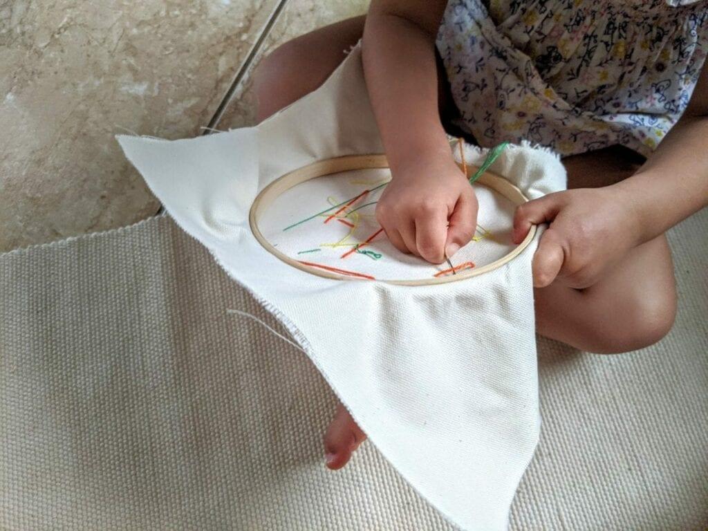atividade de costura para criancas 06
