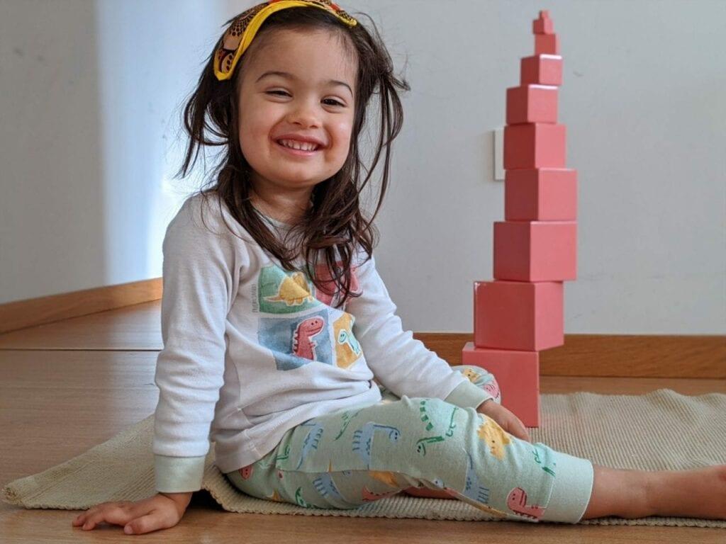 montar torre rosa montessoriana 06