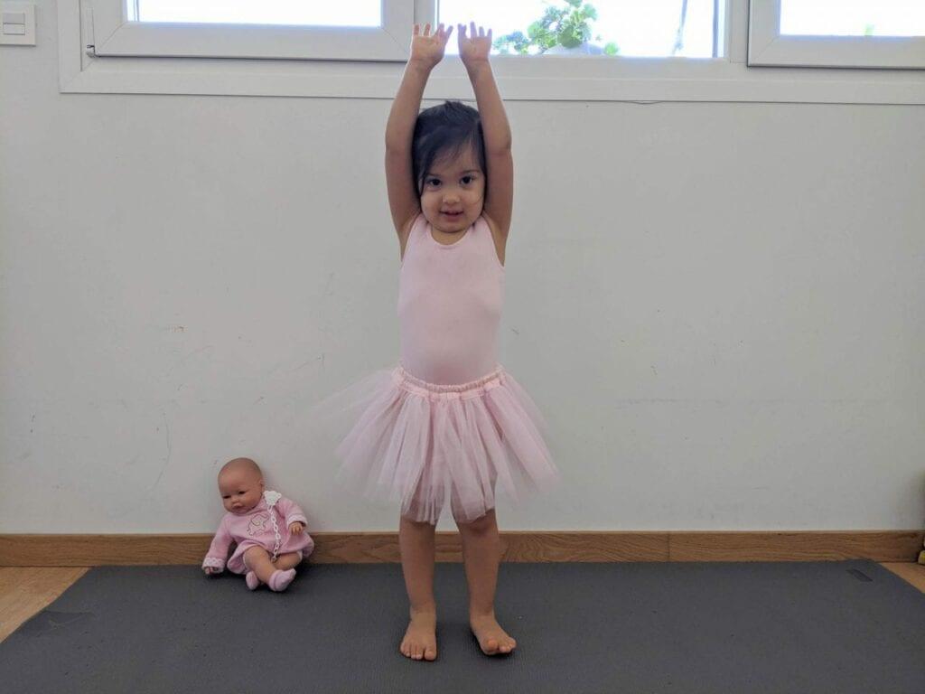 posturas de yoga para criancas montanha