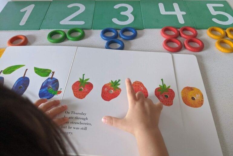 uma lagarta comilona atividades para educacao infantil