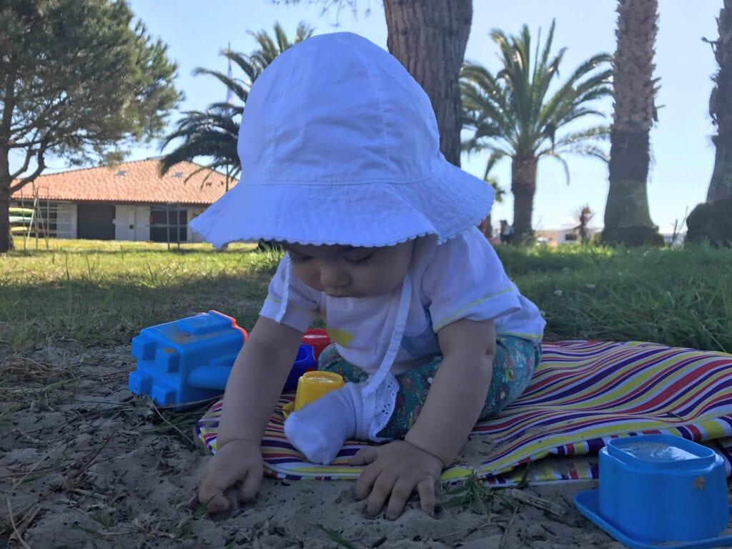 brincadeiras e atividades para bebes de 8 meses 02