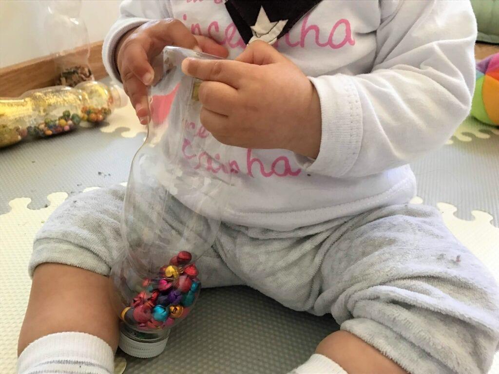 brincadeiras e atividades para bebes de 8 meses 04