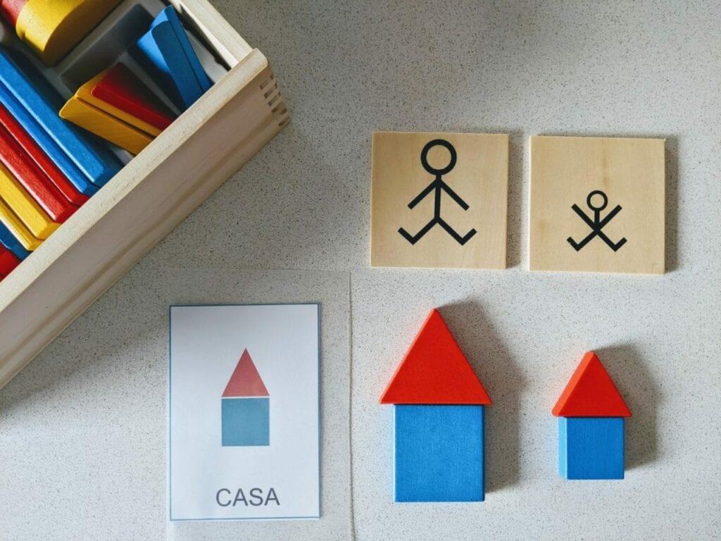 atividade para criar figuras com blocos logicos casa 01