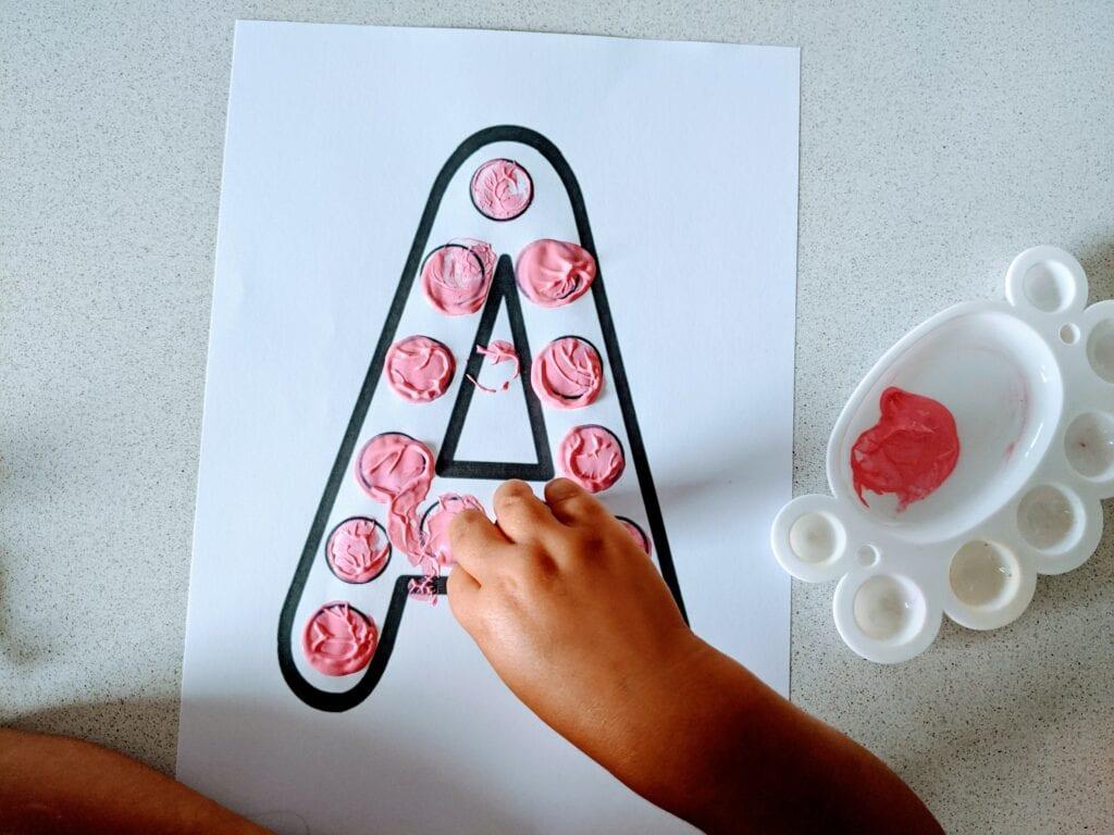 atividades de coordenacao motora com vogais para educacao infantil 04