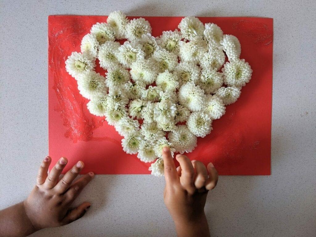 atividade com flores para o dia das maes