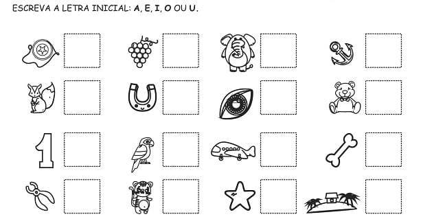 atividades com vogais para imprimir 04