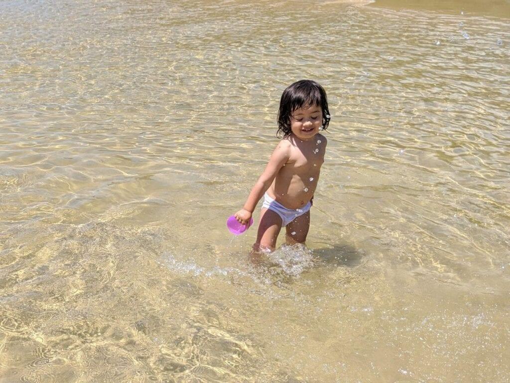 atividades para fazer na praia - nadar