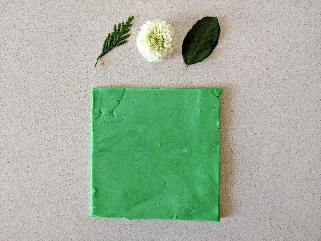 prensa de flores com massinha 01