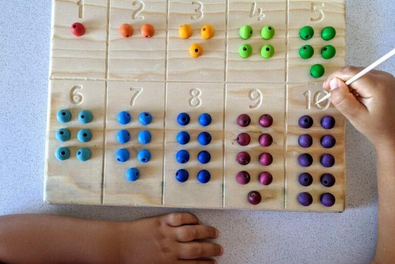 tabuleiro de contagem com numeros 10