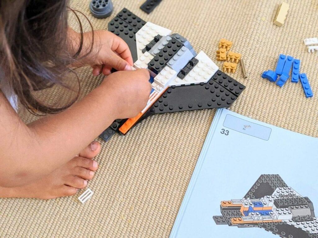 brincar com lego city 02