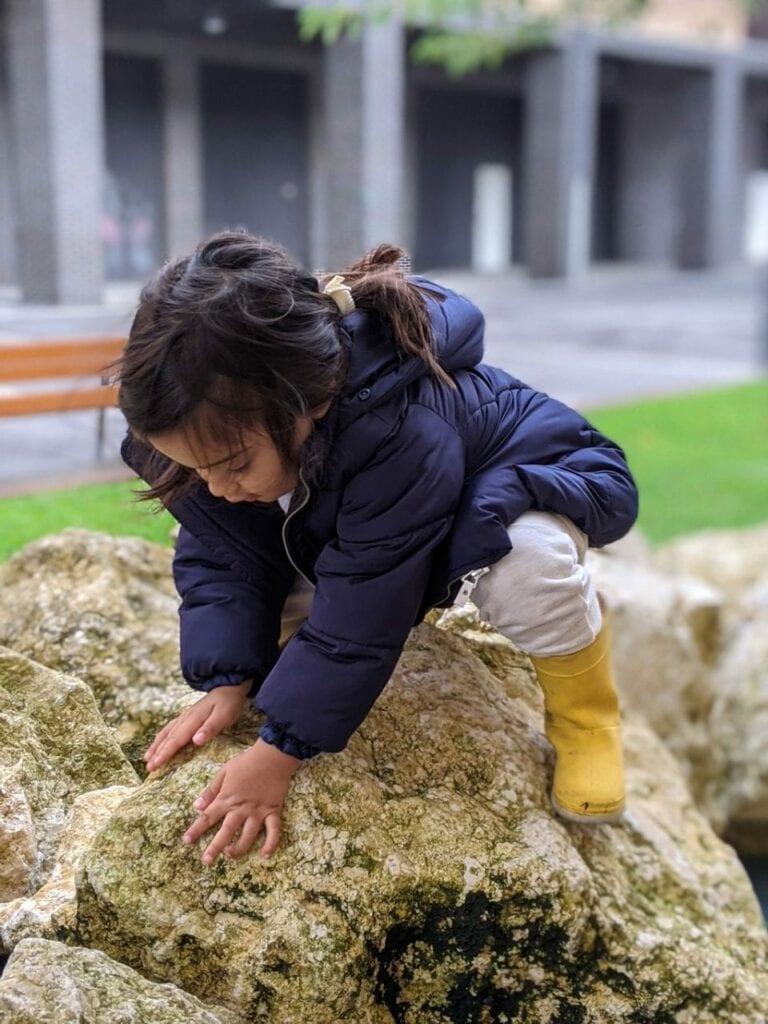 coordenação motora grossa - Equilíbiro nas pedras