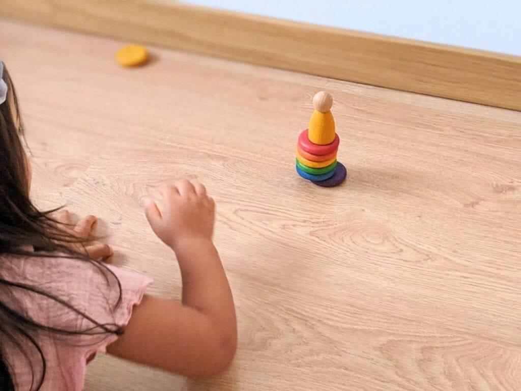 jogo jenga com brinquedos waldorf 01