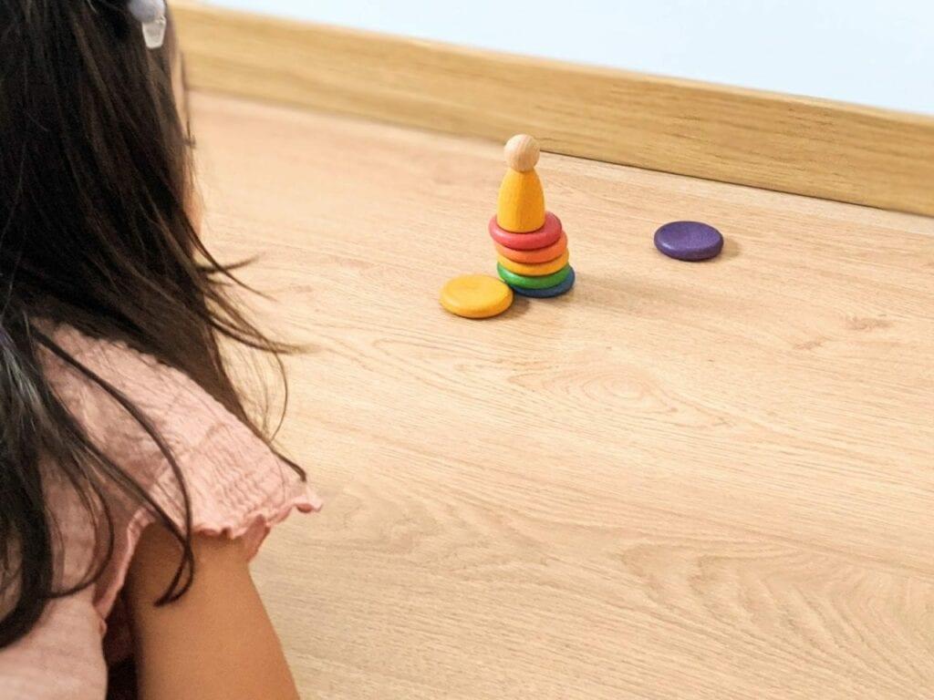jogo jenga com brinquedos waldorf 02