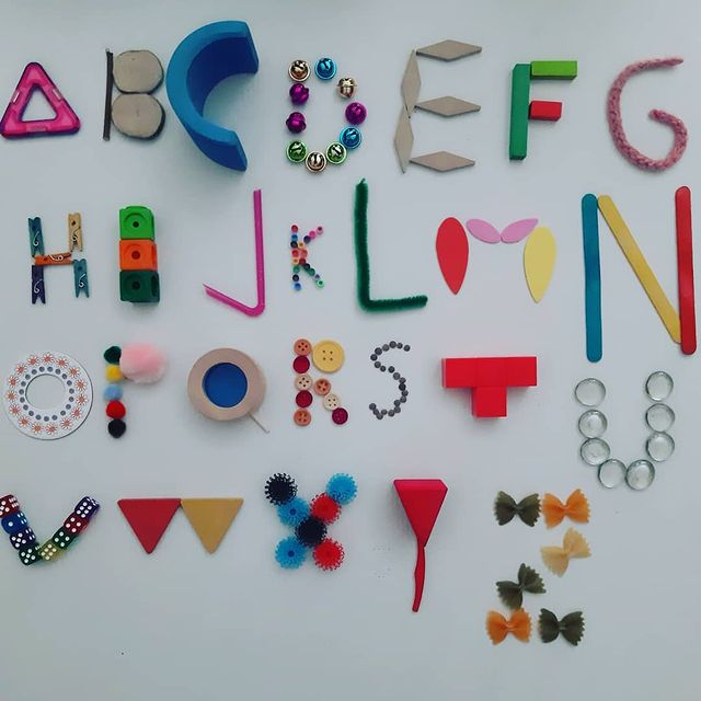ensinar o alfabeto de forma divertida