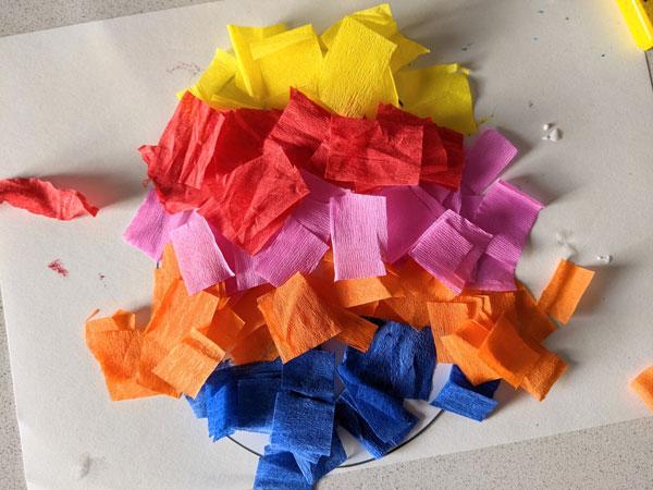 atividade de artes para pascoa com papel crepom 01